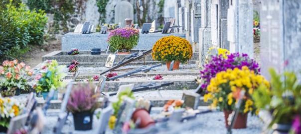 Entretien d'une pierre tombale