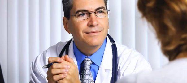 Consulter un gynécologue pour l'évaluation d'une cytologie anormale